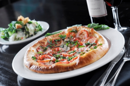 http://memorialcoliseum.com/images/Images/Where_to_Eat_Images/Casa_Ristorante/Margherita_Pizza.jpg