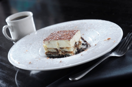 http://memorialcoliseum.com/images/Images/Where_to_Eat_Images/Casa_Ristorante/Tiramisu.jpg