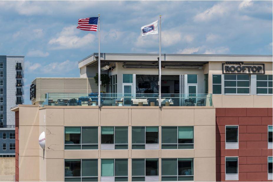 http://memorialcoliseum.com/images/Images/Where_to_Stay_Images/Hampton_Inn_Downtown/02.jpg