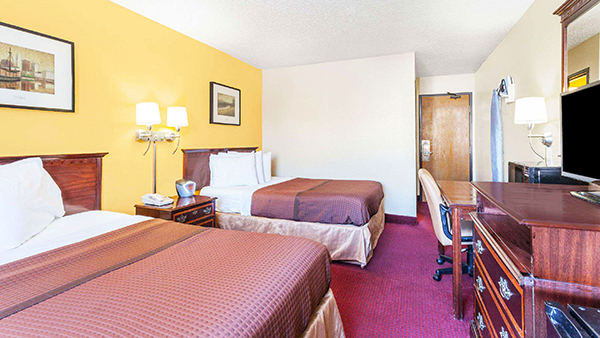 http://memorialcoliseum.com/images/Images/Where_to_Stay_Images/Magnuson/MH_DoubleBed1.jpg