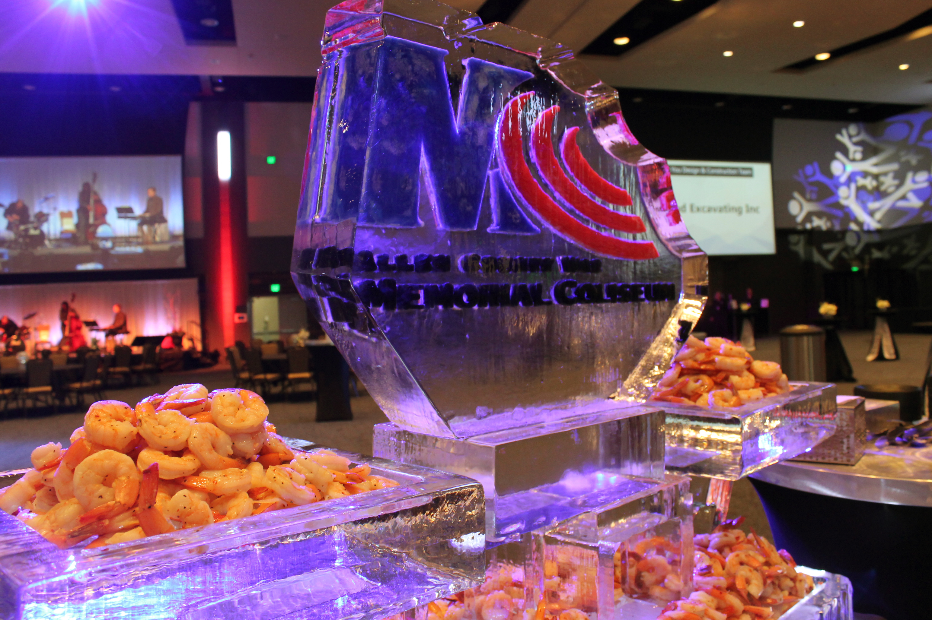http://memorialcoliseum.com/images/Images/aramarkcatering_gallery/icesculpture.jpg