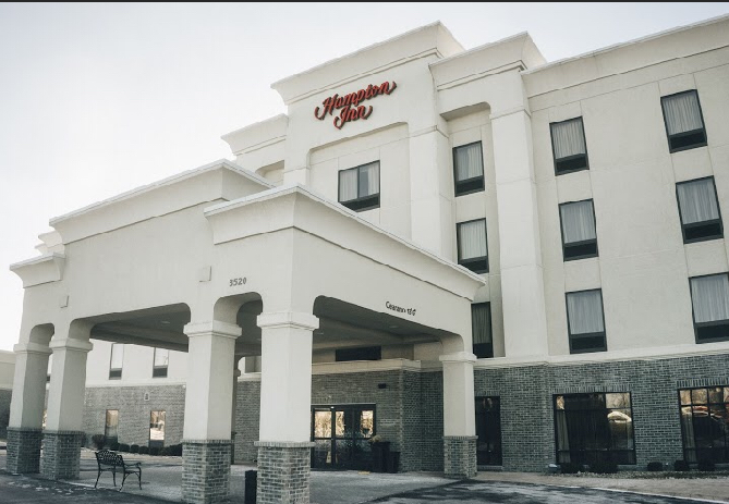 https://memorialcoliseum.com/images/Images/Where_to_Stay_Images/Hampton_Inn_Dupont_Road/Photo-1.jpg