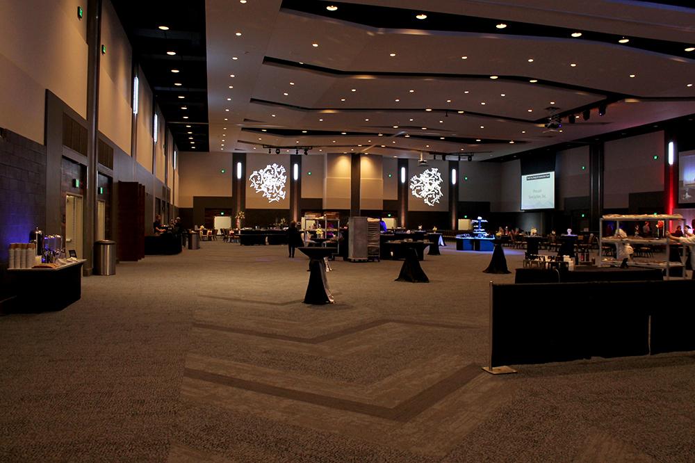 https://memorialcoliseum.com/images/Images/confcenter_gallery/confcenter.jpg